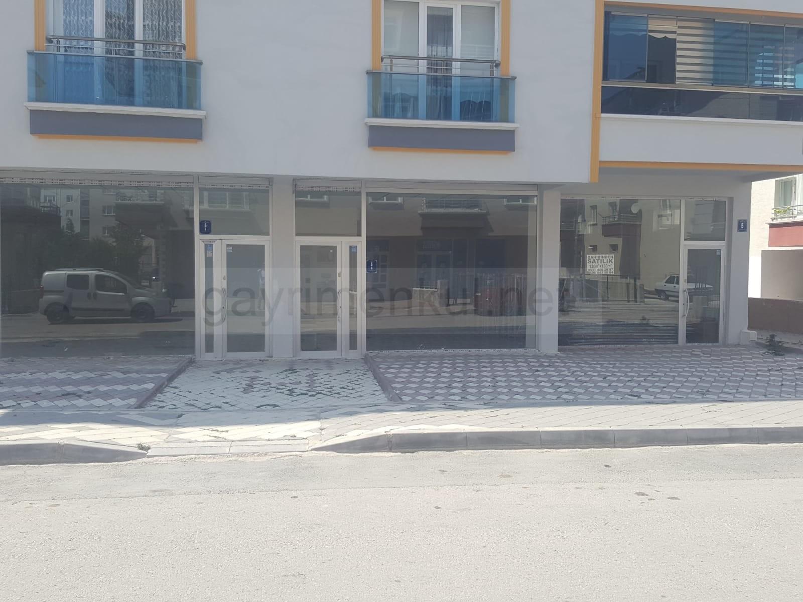 Yenikent Menderes Mahallesinde 130 m2 + 130 m2 Depolu Satılık Dükkan